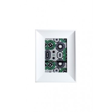 Porta Retrato em Madeira Branca com Vidro - 21x16x12cm - Coleção Mirabile Essential