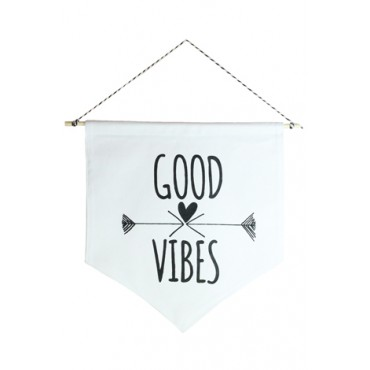 Wall Flag (estandarte) Preta Good Vibes by Studio Mirabile