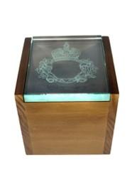 Porta jóias em madeira e vidro gravado à mão by Eduardo de Castro